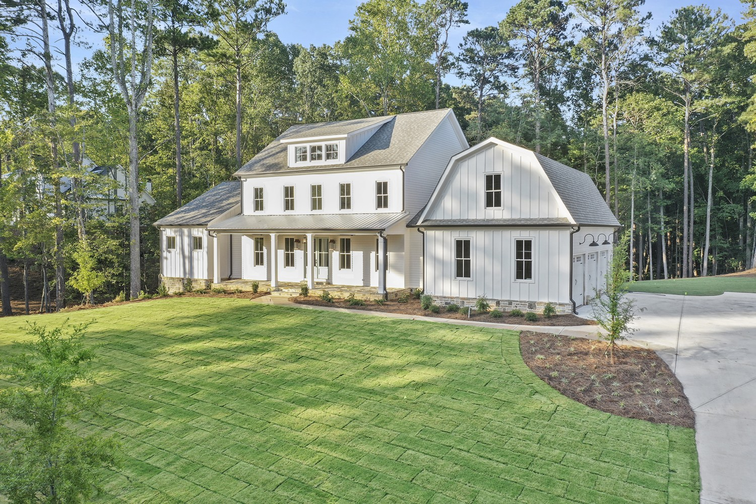 Beautiful Modern Farmhouse Architecture with Award Winning Plan
