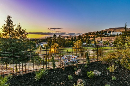 Turn-Key, Upgraded, Well-Loved Home w/ Awesome Views!
