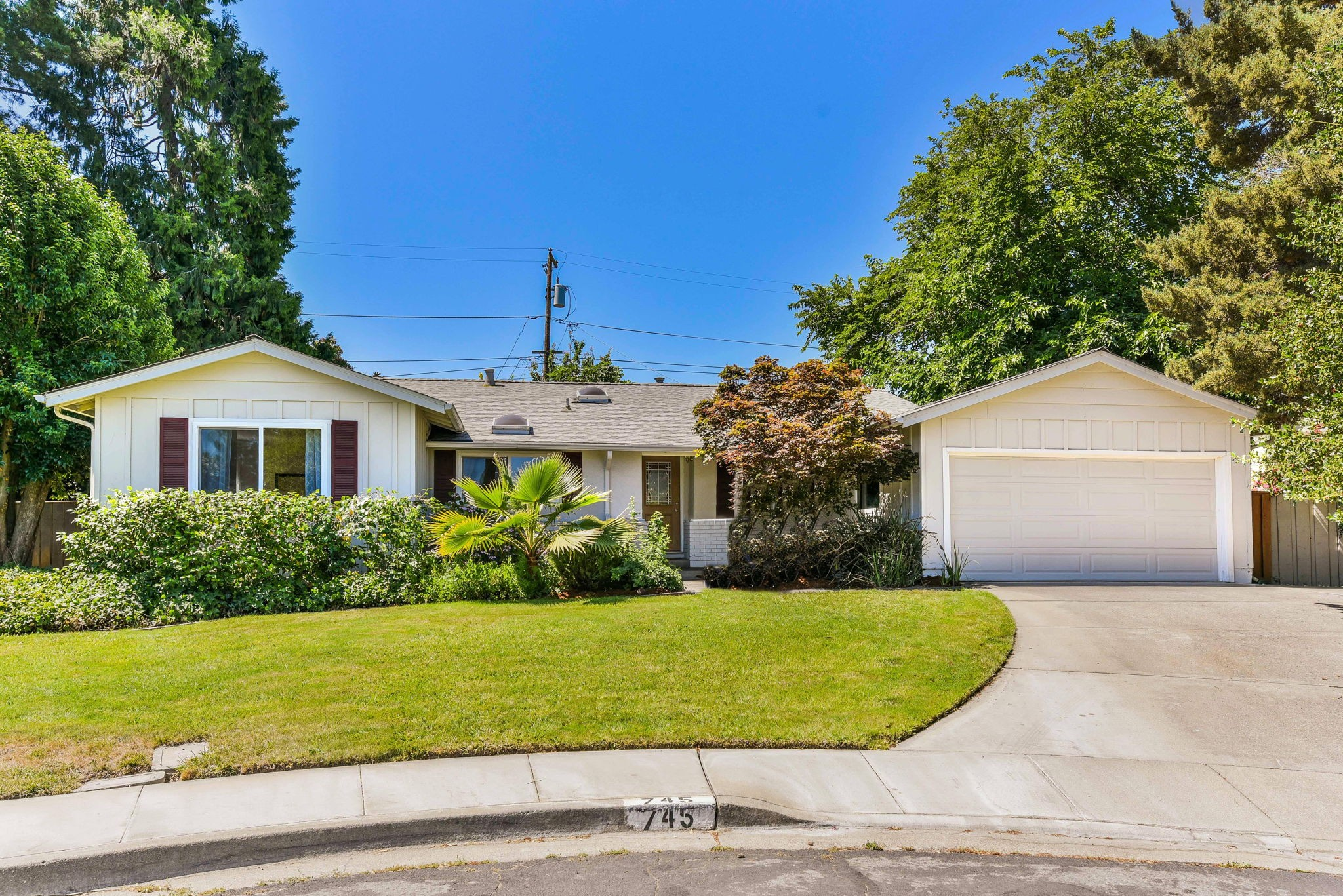 Beautifully Remodeled Rancher in Desirable Ygnacio Wood Near Walnut Creek Border