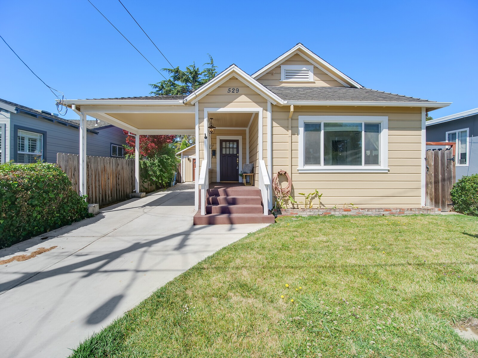 Charming & Updated Home near Millbrae Border