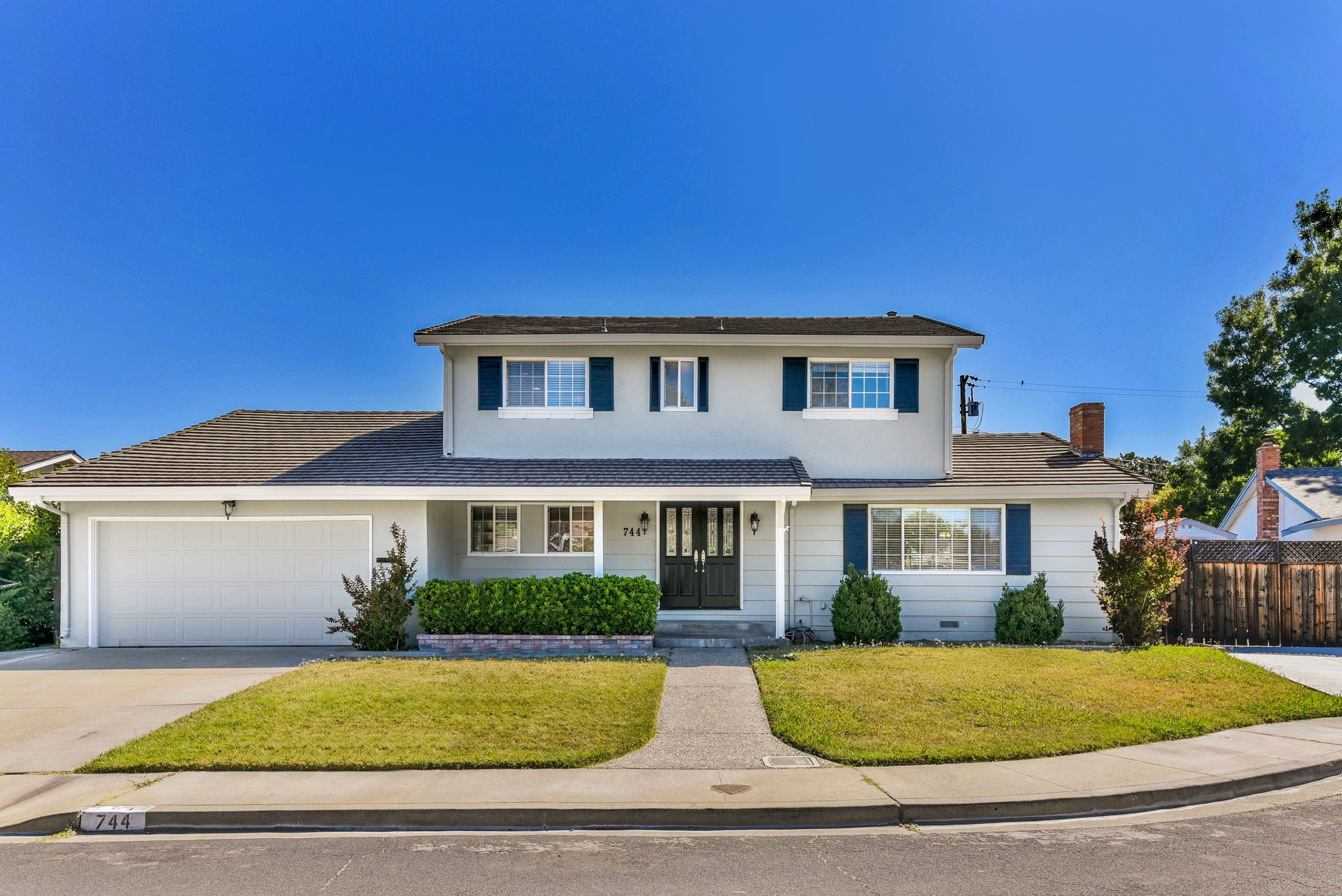 Spacious and Updated Home in Desirable Ygnacio Wood at Walnut Creek Border