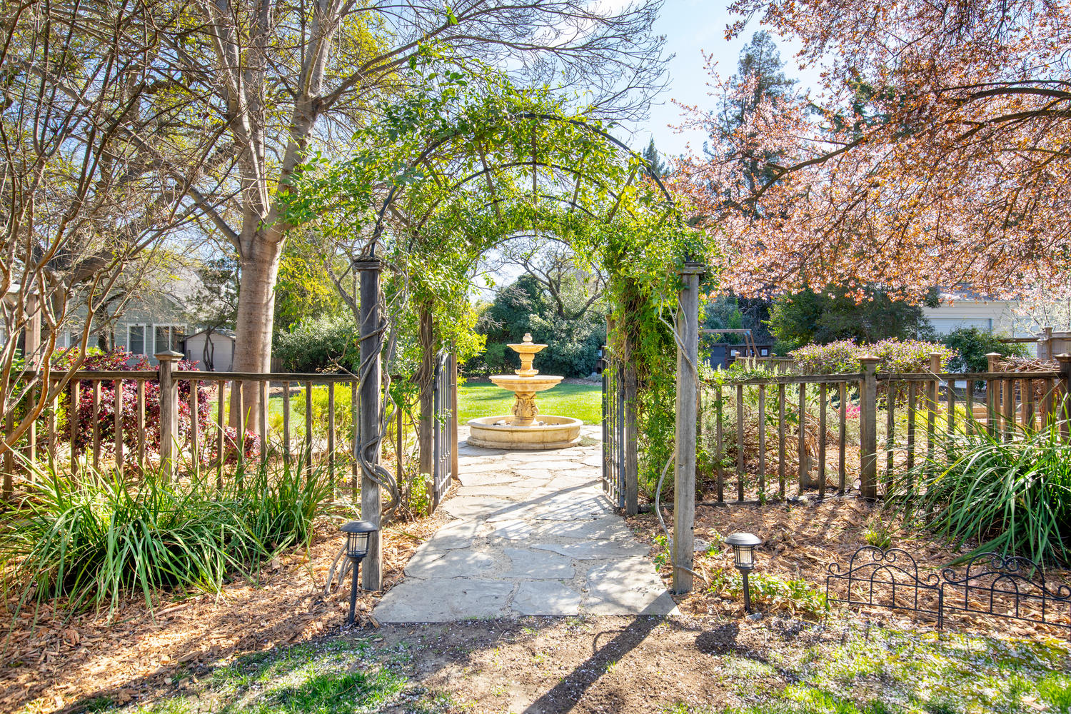 Country Charm in the Heart of Walnut Creek