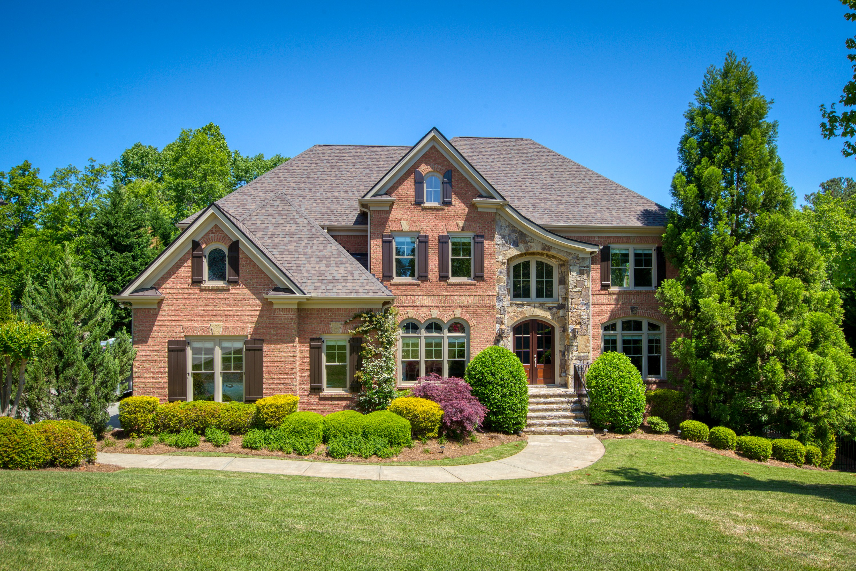 Live In Serenity In This Gorgeous, Custom-Built Beauty!