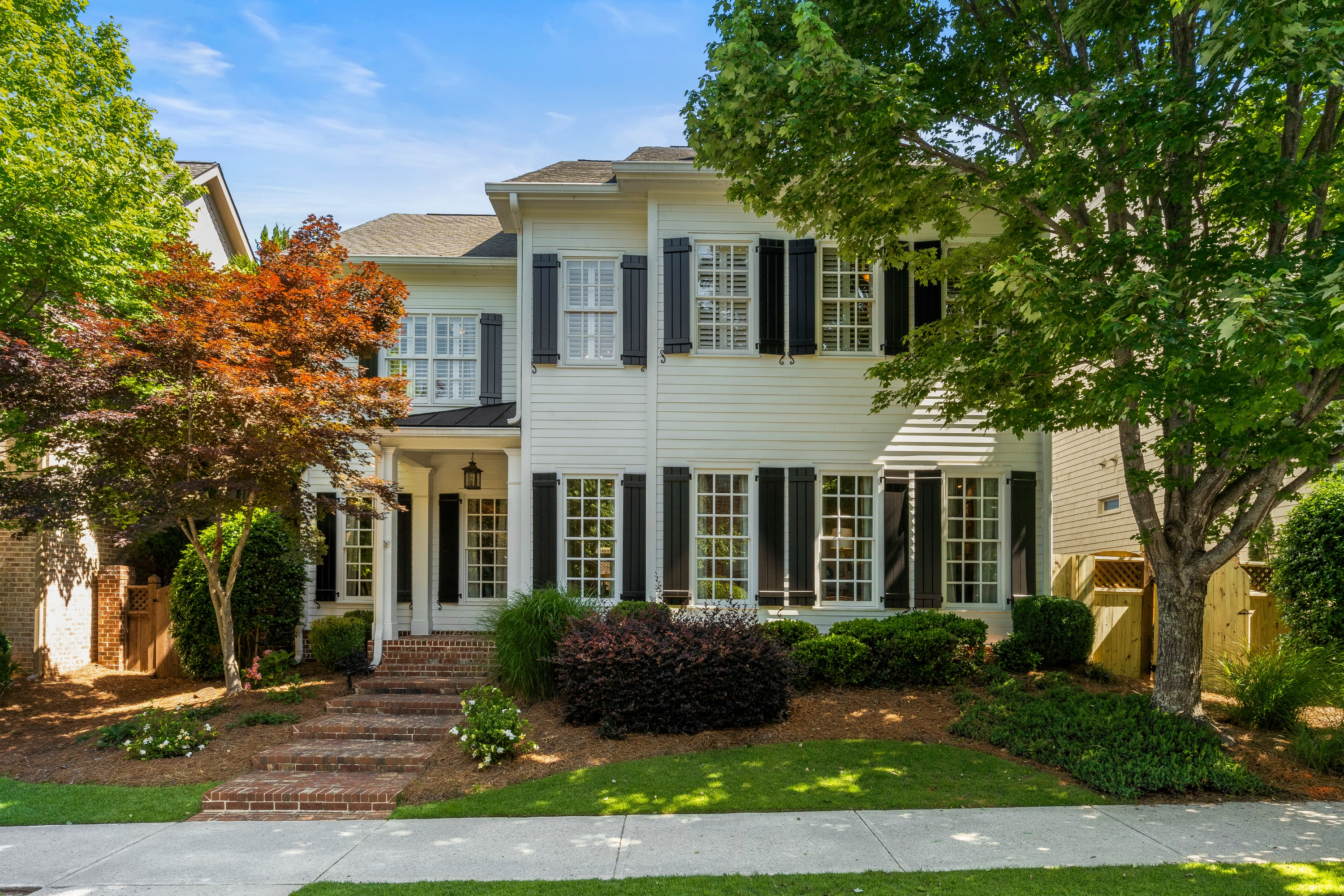Updated Alpharetta Home In Desirable Palisades Community!