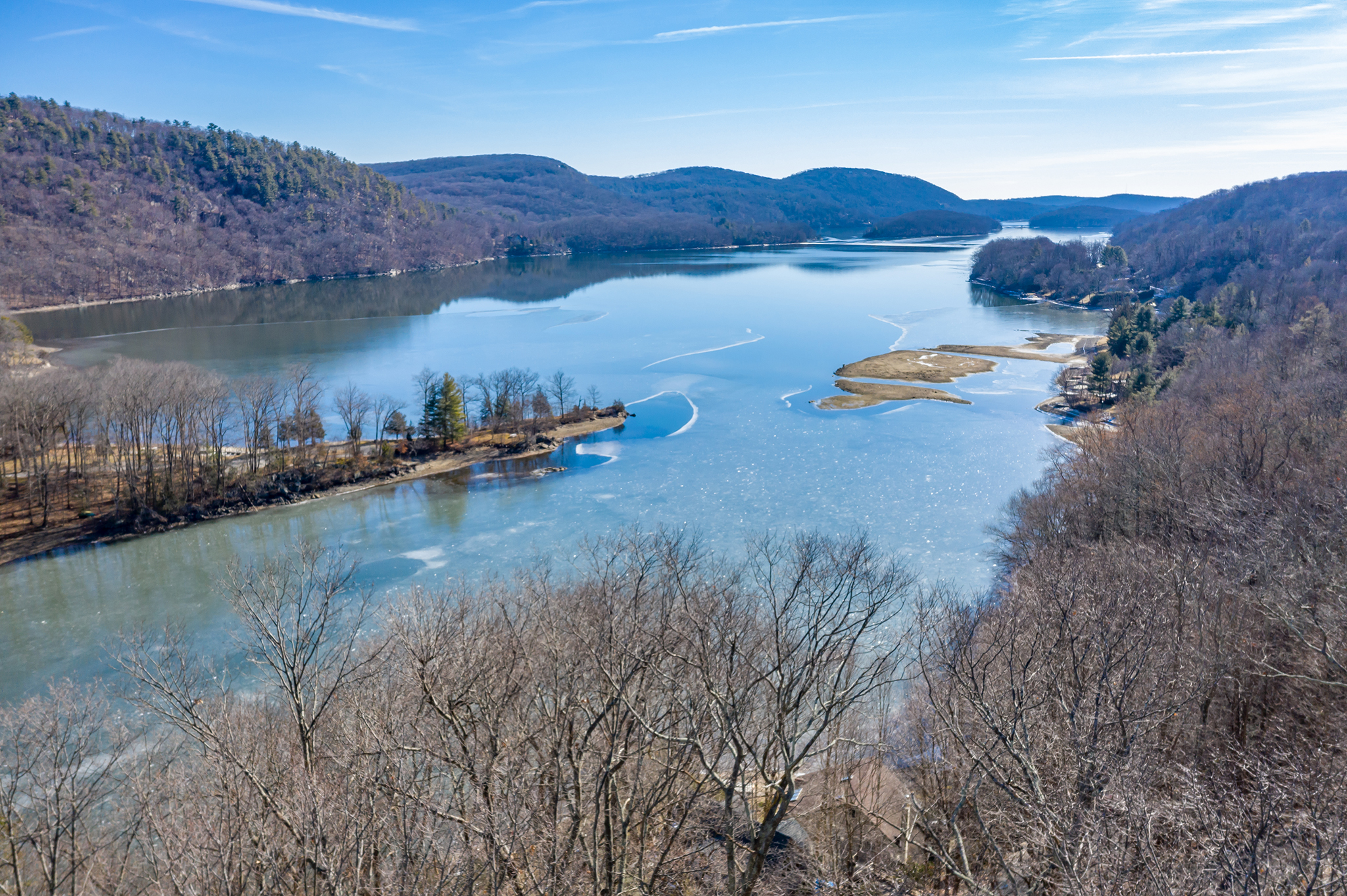 YEAR-ROUND VIEWS of CANDLEWOOD LAKE
