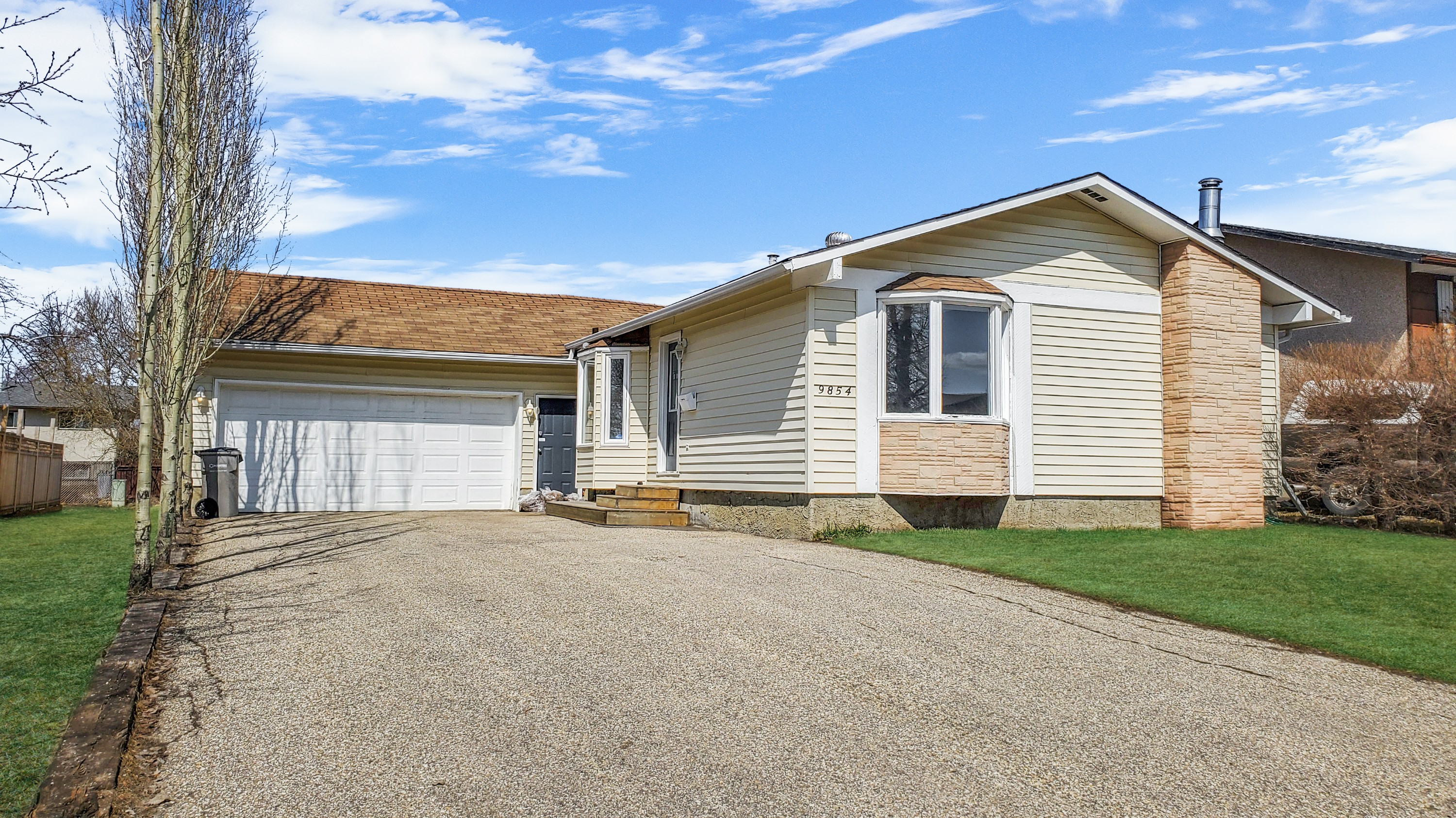 Mature Home... Fully Developed with Garage.. Under $300,000