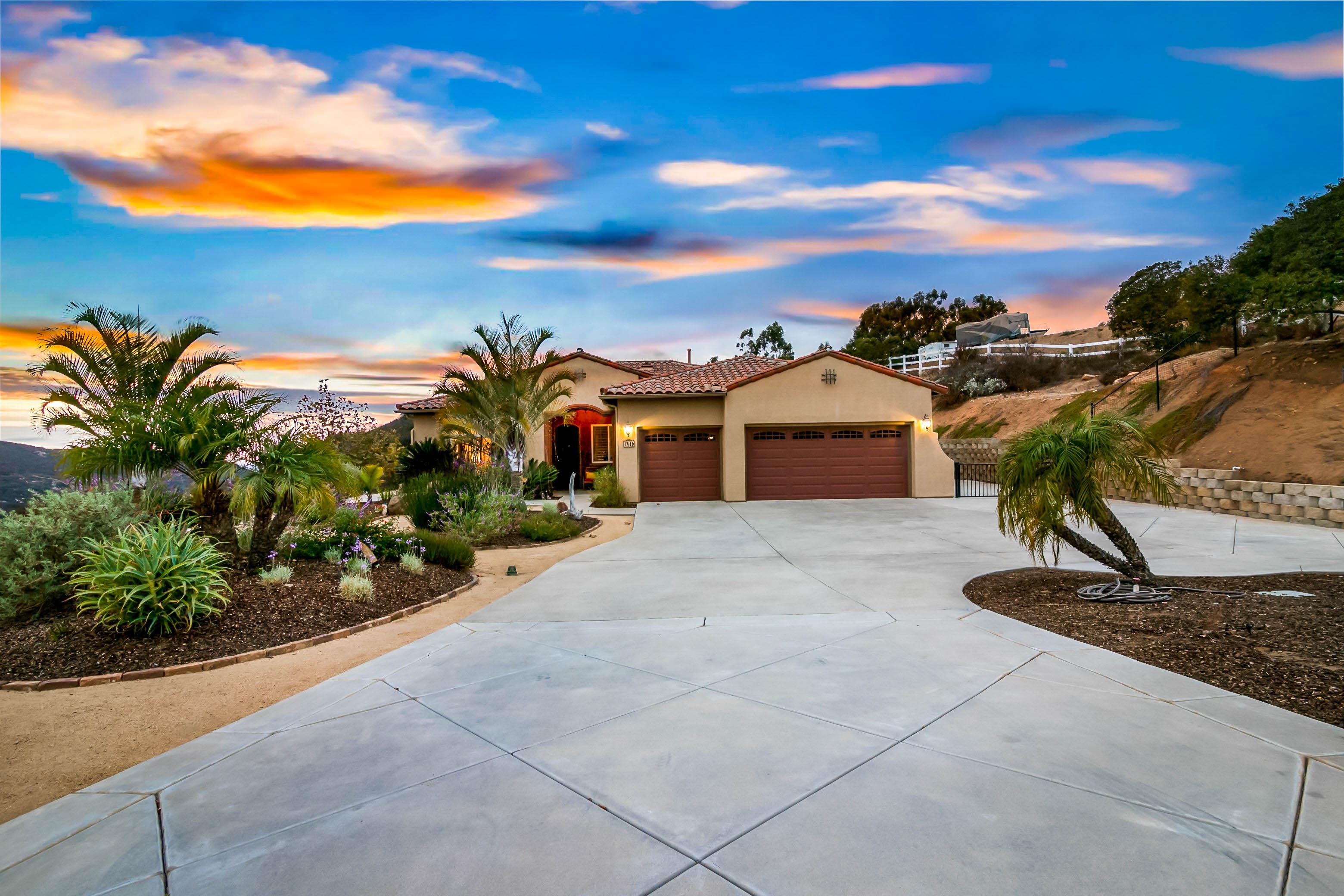 Stunning Hawks Ridge Home for Sale - 1416 Hawks Vista Lane