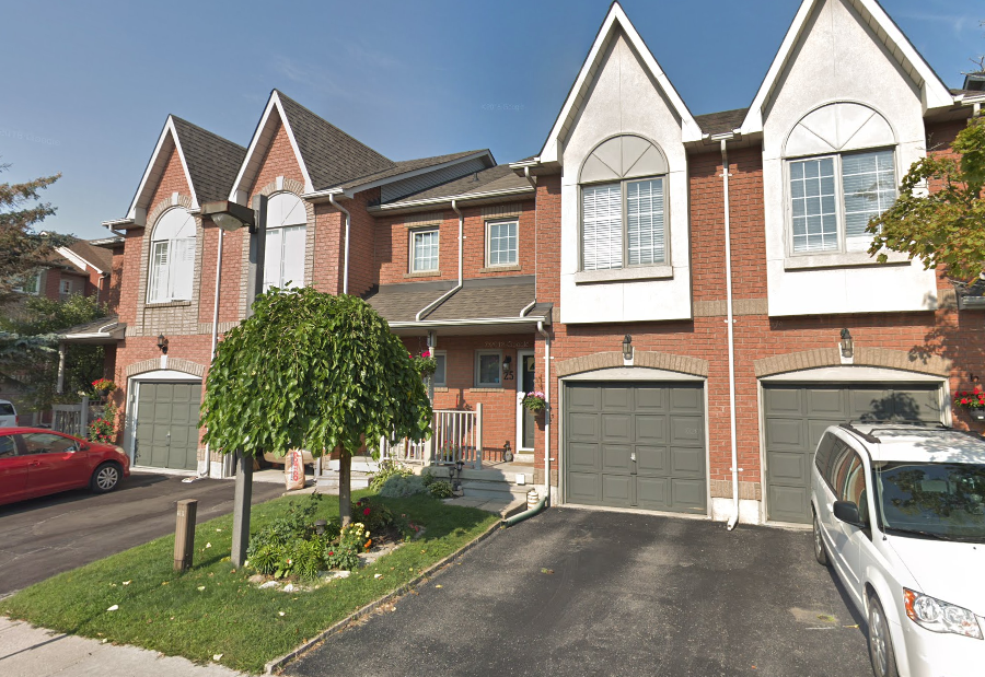 Cozy Townhome in Pickering
