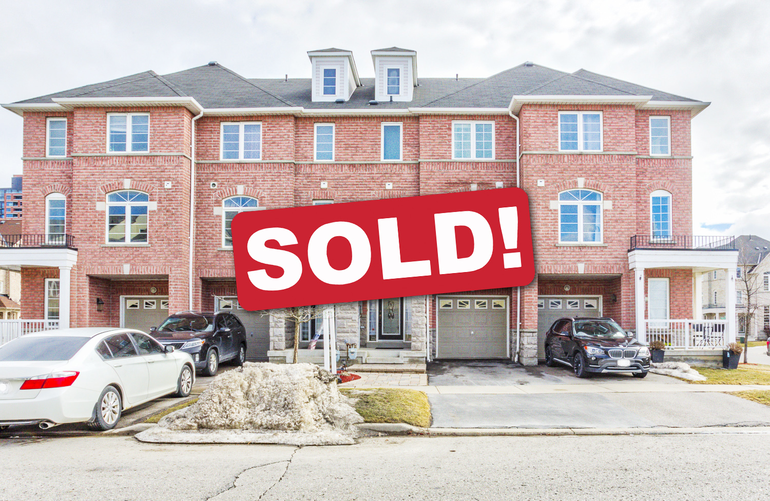 Well-Maintained Freehold Townhome In Downtown Ajax