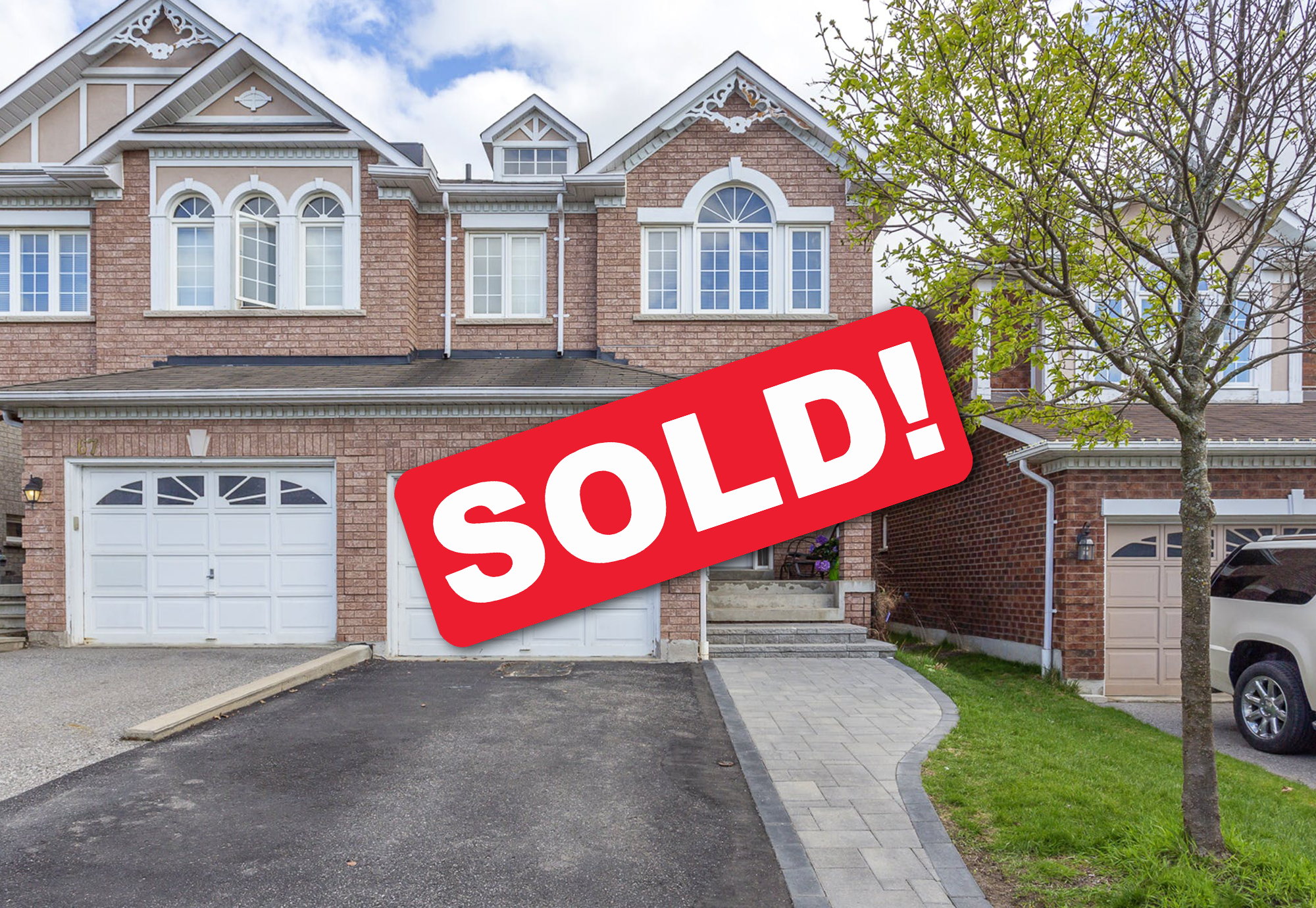 Beautiful, Semi-Detached John Boddy Home in Highly Coveted Eagle Glen Community
