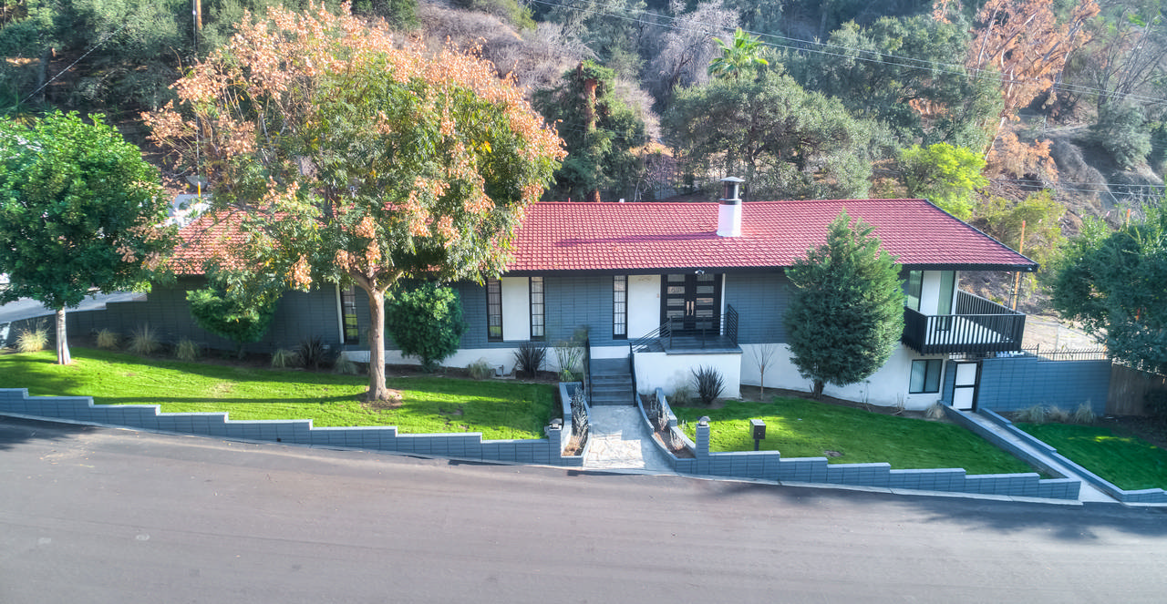 Remodeled Home in Kinneloa canyon Estates gated community