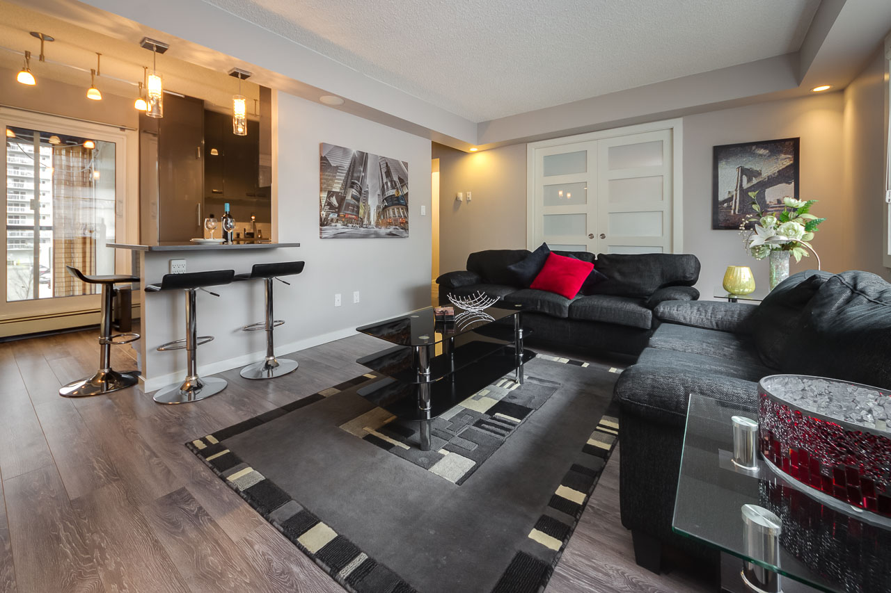 Sleek and modern 2 bedroom condo in Oliver