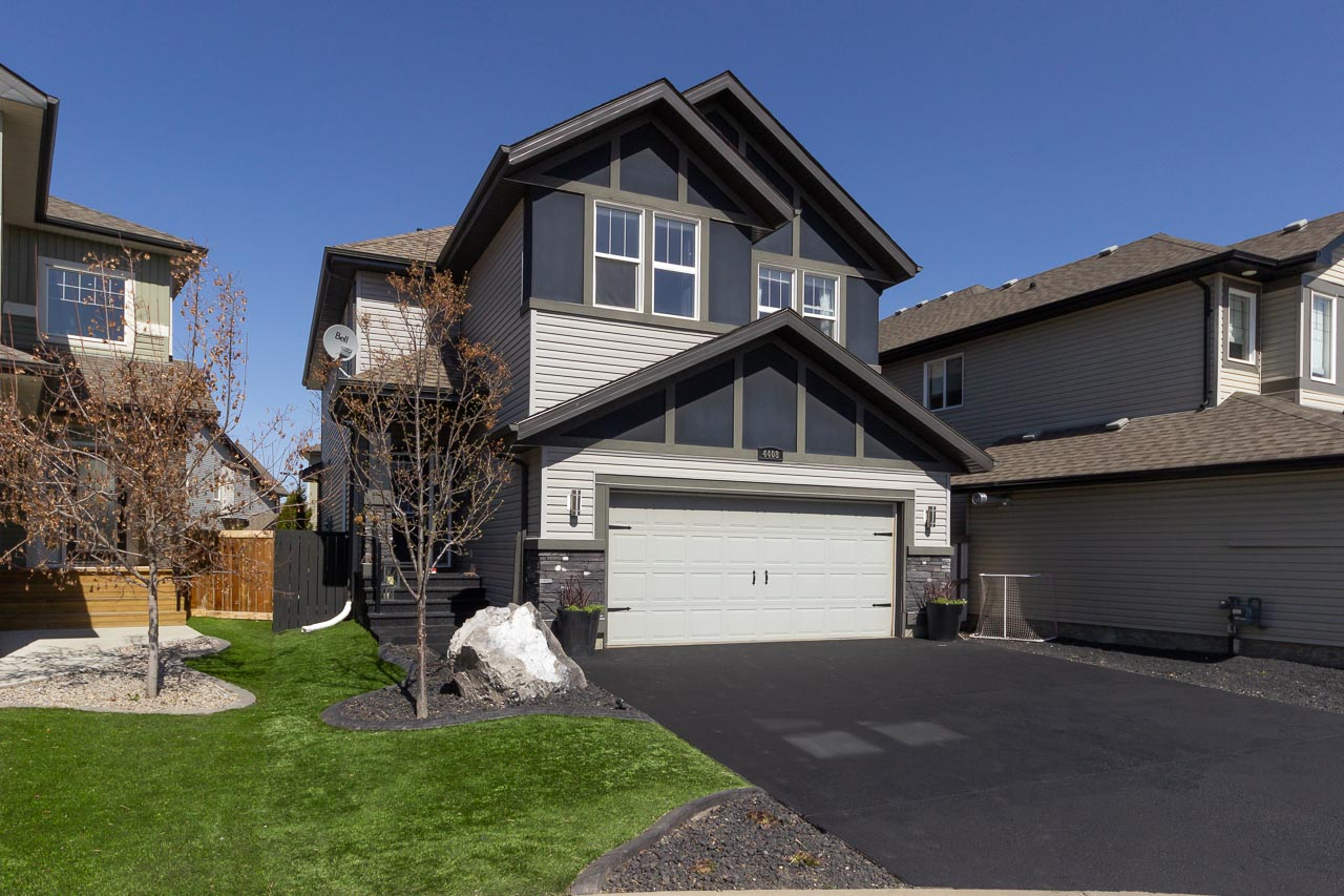 Stunning family home in the community of Summerwood