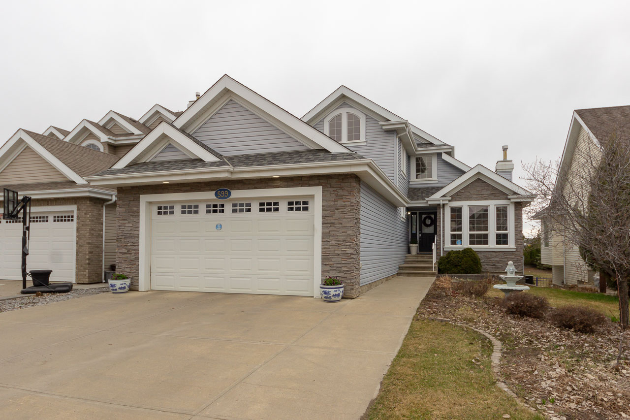 Beautiful Summerside home with walkout basement