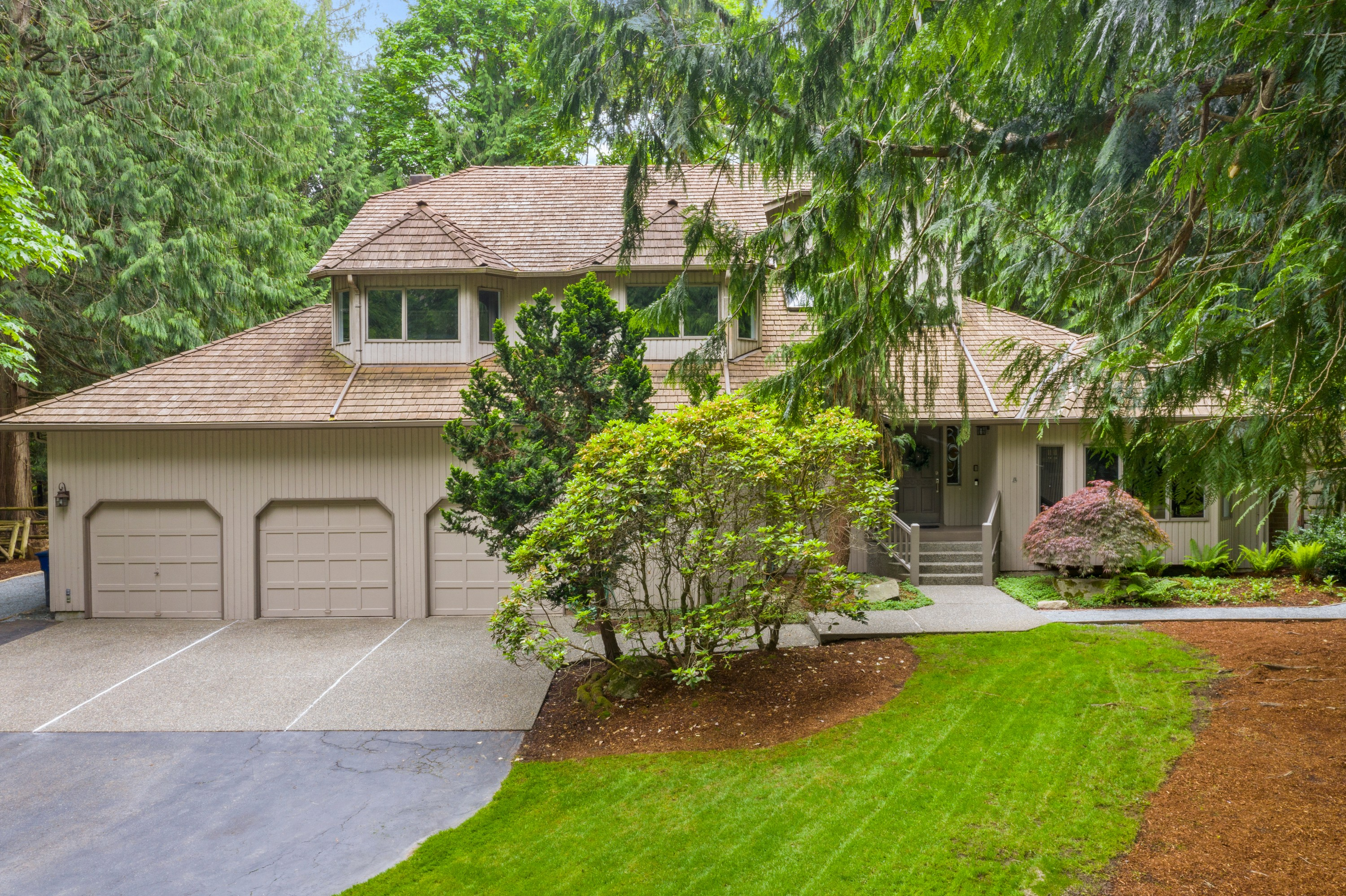 Beautifully Updated Home in Coveted Loree Estates!