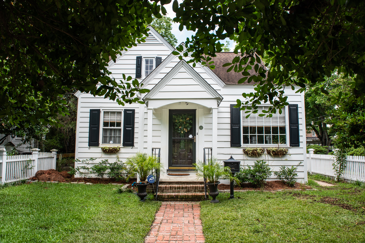 Price Reduction!!! Downtown Cottage in the Heart of Charleston