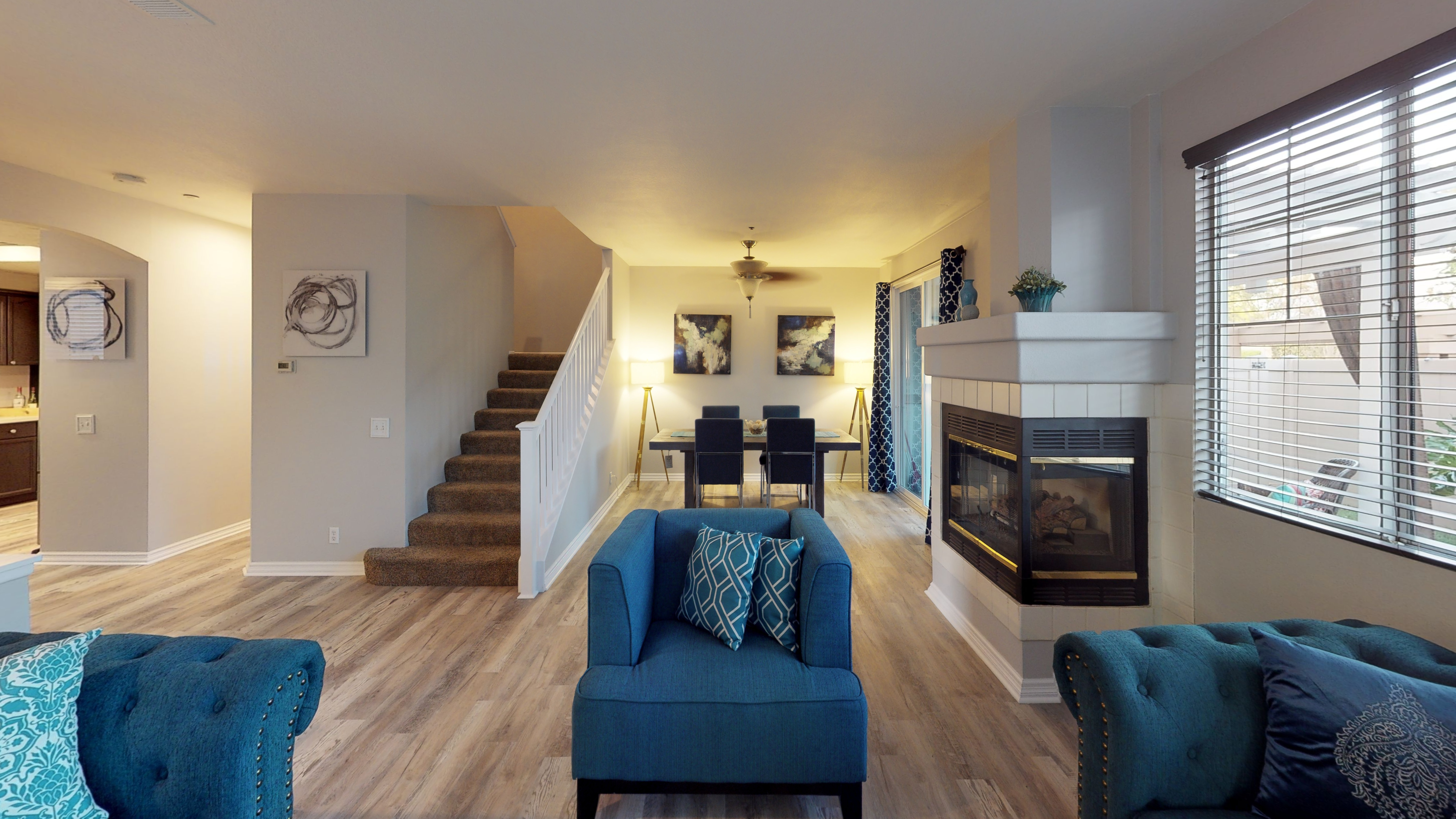 Chic Condo in Friendly Neighborhood Completely Remodeled