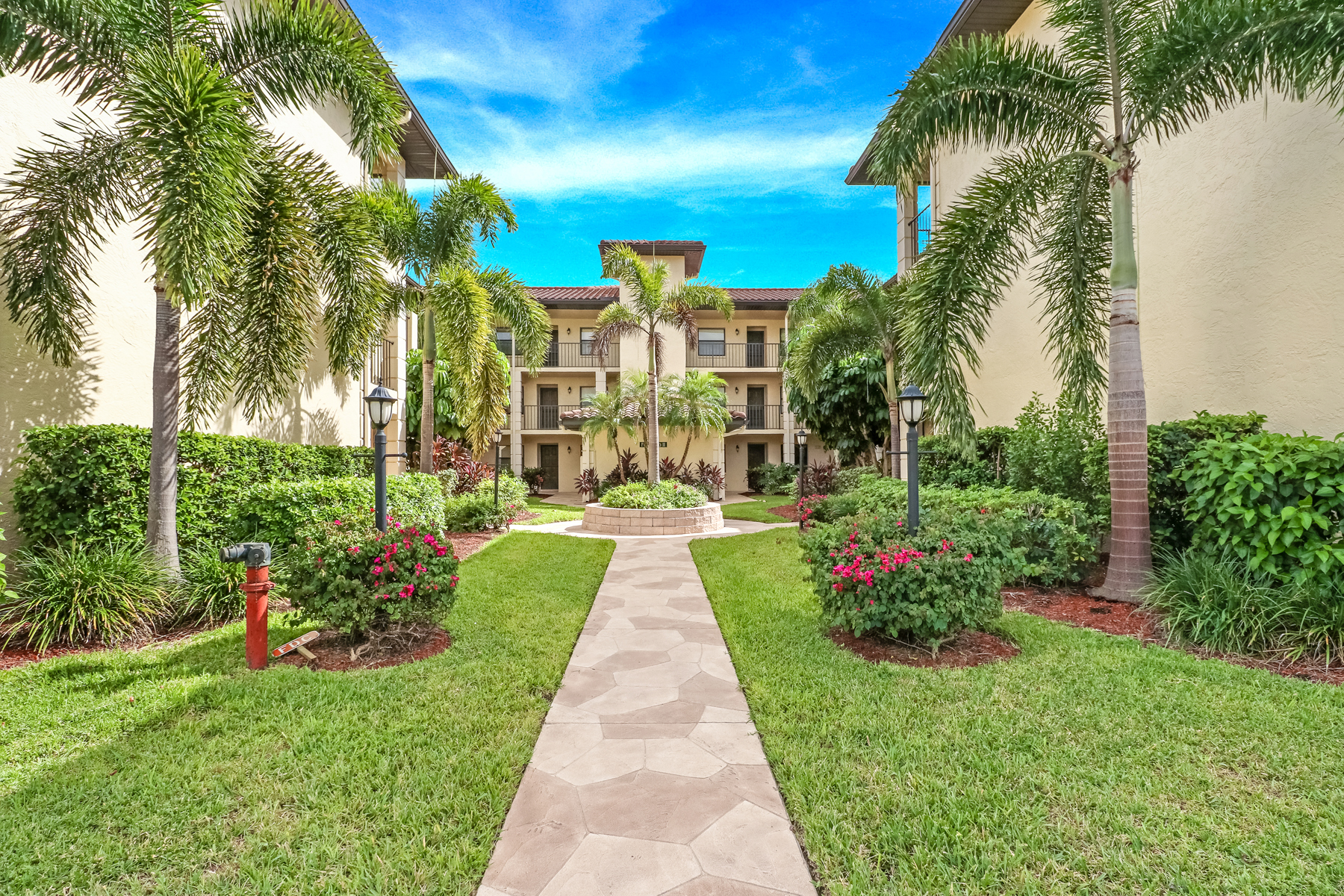Don't Miss Out On This Amazing 1st Floor Condo!!!